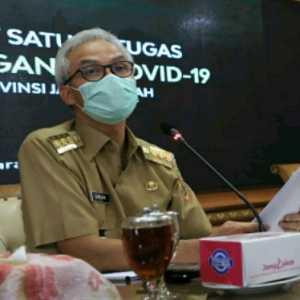 Tak Banyak Belajar Tangani Banjir Semarang, Dedi Kurnia: Bisa Saja Prestasi Ganjar Hanya Berkutat Di Medsos