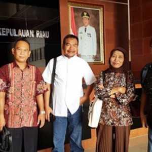 UPN Veteran Yogyakarta Serahkan 60  Calon Peserta UKW Gratis Dewan Pers Di Batam