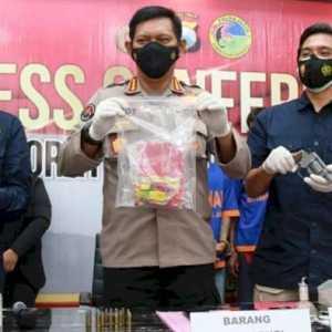 KD Ditangkap Polisi, Barang Bukti Sabu Dan Senjata Api Rakitan