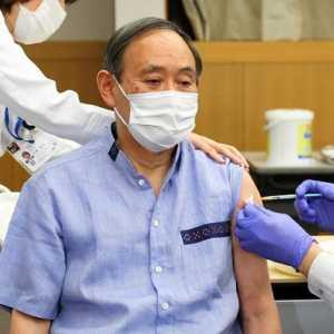Sebelum Bertemu Joe Biden, PM Suga Dan Puluhan Delegasi Jepang Disuntik Vaksin Covid-19