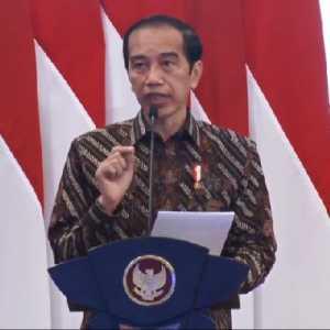 Dukung UMKM, Jokowi Minta Pengelola Mal Geser Kios-kios  Brand Luar Negeri Ke Tempat Tidak Strategis