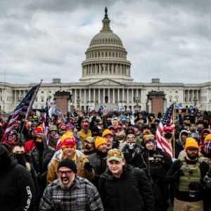 FBI Tangkap Salah Satu Orang Kepercayaan Trump Terkait Kerusuhan Di Capitol