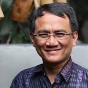 Andi Arief: Menko Mahfud Dan Menkumham Yasonna Ambil Keputusan Tepat!