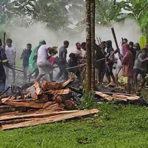 Prihatin Atas Kematian 3 Mahasiswa UKSW, Ratusan Warga Papua Di Jateng Gelar Tradisi Bakar Batu