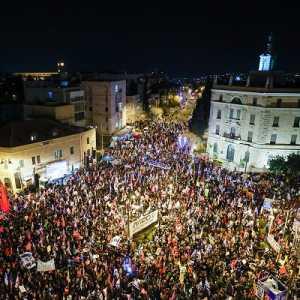 Jelang Pemilu Israel, 20 Ribu Demonstran Berkumpul Di Luar Kediaman Netanyahu