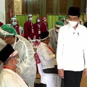 Didampingi AHA Dan Ganjar, Jokowi Tinjau Vaksinasi Seniman Yogyakarta Hingga Tokoh Agama Dan Santri Di Semarang