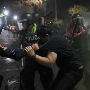 Protes Thailand Berujung Bentrok, Polisi Tangkap Puluhan Pengunjuk Rasa