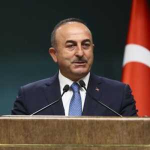 Mevlut Cavusoglu: Tidak Boleh Ada Yang Mengkritik Turki Karena Membeli Rudal S-400 Dari Rusia