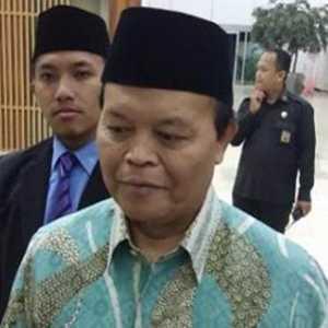 Revisi UU ITE Tak Masuk Prolegnas Prioritas, HNW Singgung Titah Presiden Jokowi