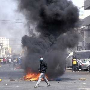 Senegal Membara, Massa Lakukkan Protes Besar-besaran Atas Penangkapan Pemimpin Oposisi Ousmane Sonko