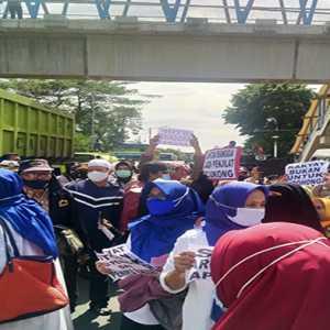 Imbau Simpatisan HRS Yang Datang Ke PN Jaktim Polisi: Kami Akan Swab Test!