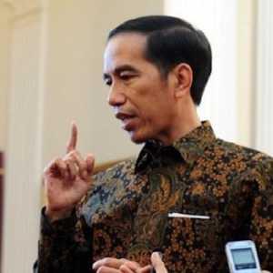 Pengamat Curiga Ada Orang Dekat Yang Sengaja Ingin Mempermalukan Jokowi