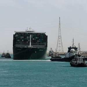 Lalu Lintas Terusan Suez Kembali Normal, Semua Kapal Yang Mengantre Sudah Berlayar Lagi