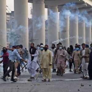 Aksi Protes Anti-Prancis Di Pakistan Ganggu Pasokan Oksigen Untuk Pasien Covid-19