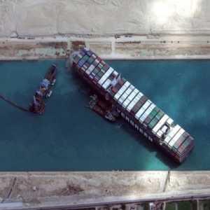 Mesir Lakukan Penyelidikan Kapal Ever Given Yang Membuat Terusan Suez Macet