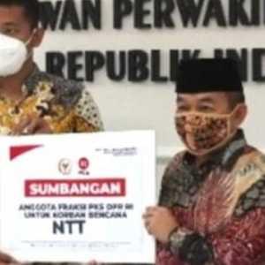 Potong Gaji, Fraksi PKS Salurkan Bantuan Simbolis Kepada Masyarakat NTT Dan NTB