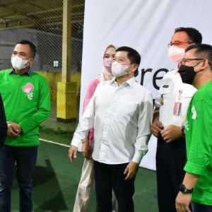 Rayakan Hari Kartini, Anies Baswedan-Suharso Monoarfa Kompak Hadiri Acara Bagi Gerobak