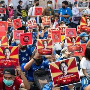 Aktivis Minta Warga Myanmar Kompak Lawan Junta Selama Perayaan Tahun Baru Thingyan