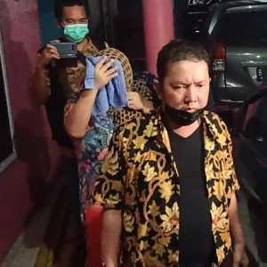 Dibantu Kejari Depok, Kejati Sulbar Berhasil Bekuk Tepidana Korupsi Yang Buron 11 Tahun