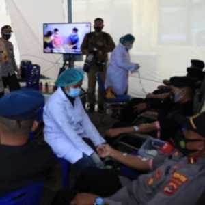 Kunjungi NTT, Kapolri Saksikan Langsung Donor Plasma Konvalesen