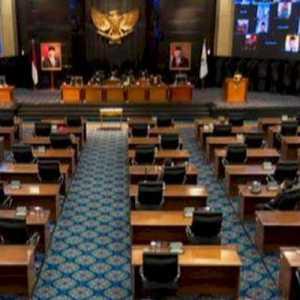 Siang Ini, Anies Akan Sampaikan LKPJ 2020 Di Rapat Paripurna DPRD DKI