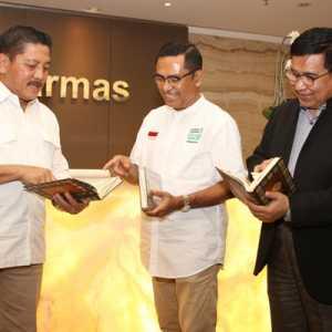 Lewat Mantan KSAL Marsetio, YMSM Wakafkan Al-Quran Untuk Masyarakat Di Pulau Terluar