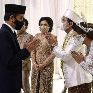 Aneh Dan Berlebihan, Kehadiran Jokowi Di Pernikahan Atta-Aurel Diunggah Medsos Setneg