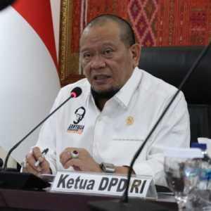 Ketua DPD RI Berharap Wartawan Tingkatkan Kompetensi Dan Terdepan Lawan Hoax