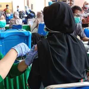 Hari Pertama Ramadan, 2.500 Guru Di Kota Tangerang Disuntik Vaksin