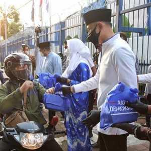 Hari Keempat Ramadhan, AHY Dan Pengurus Demokrat Bagikan Takjil Hingga Santuni Anak Yatim