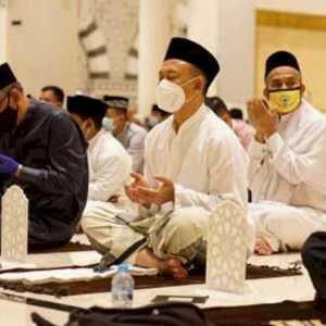 Tarawih Perdana Berjamaah, Edi Kamtono: Ceramah Disampaikan Gubernur Kalbar