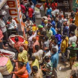 Di Tengah Lonjakan Kasus Covid-19, Ribuan Warga India Gelar Perayaan Ugadi