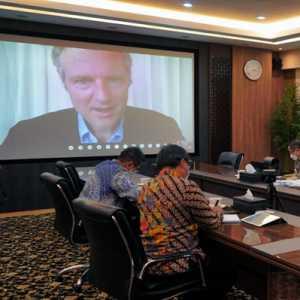 Bertemu Menteri Lingkungan Inggris, Airlangga Bahas  Agenda Konferensi PBB Perubahan Iklim