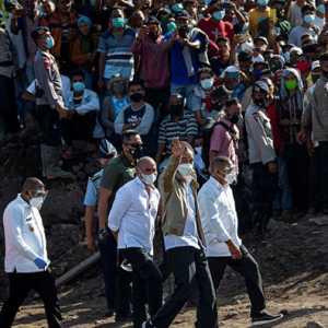 Sama-sama Timbulkan Kerumunan, Jokowi Harus Diperlakukan Seperti Habib Rizieq