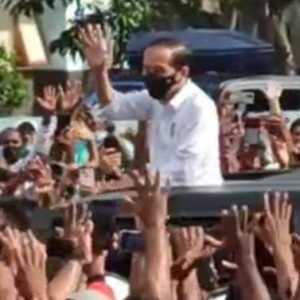 Tidak Kapok Buat Kerumunan Warga, Jokowi Berikan Contoh Kurang Baik Ke Masyarakat