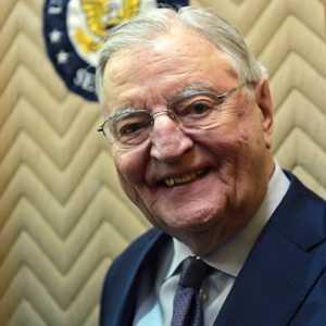 Mantan Wakil Presiden AS Walter Mondale Meninggal Dunia Di Usia 93 Tahun