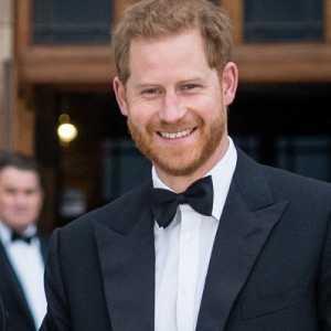 Pangeran Harry Kirim Surat Untuk Sang Ayah Sebelum Terbang Ke Inggris