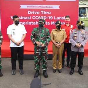 Kunjungi Vaksinasi Drive Thru Di Medan, Kapolri Dan Panglima Berharap Jadi Role Model Wilayah Lain