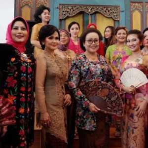 Politik Kebaya Dan Perempuan