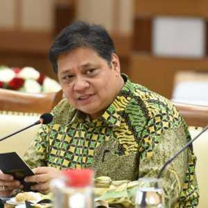Menko Airlangga: THR Pendorong Konsumsi Jelang Idul Fitri