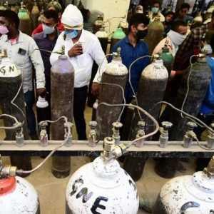 Diserang Badai Covid-19, Pasokan Oksigen India Mengkhawatirkan