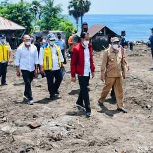 Tinjau Lokasi Bencana NTT, Jokowi: Lembata Korbannya Paling Banyak