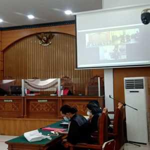 Di Persidangan, Jumhur Hidayat Pertanyakan Laptop Anaknya Yang Disita Penyidik