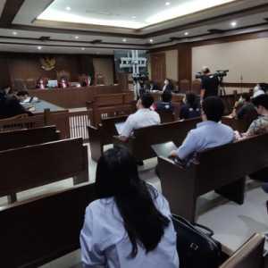 Terbukti Beri Fee Rp 1,95 M Ke Juliari Batubara, Ardian Iskandar Maddanatja Dituntut 4 Tahun Penjara