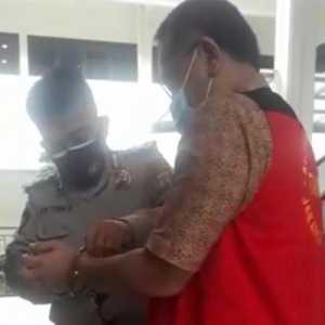 Tangan Diborgol Usai Sidang, Jumhur Hidayat Mengaku Sehat Selama Ditahanan
