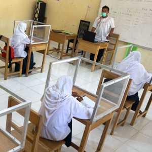 92 Sekolah Bakal Uji Coba PTM, Disdik DKI: Proses Belajar Hanya 3-4 Jam Saja
