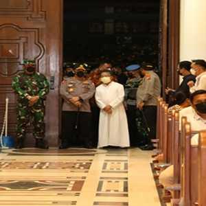 Sambangi Gereja Di Sulut, Kapolri Pastikan Keamanan Malam Jumat Agung