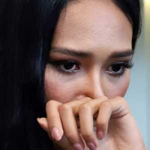 Berurai Air Mata, Ratu Kecantikan Myanmar Minta PBB Turun Tangan Bantu Krisis Negaranya